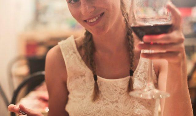 blonde-hair-cuisine-date-821069